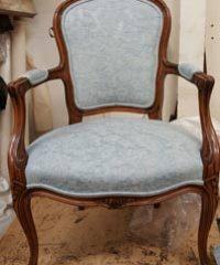 Escott's Upholstery